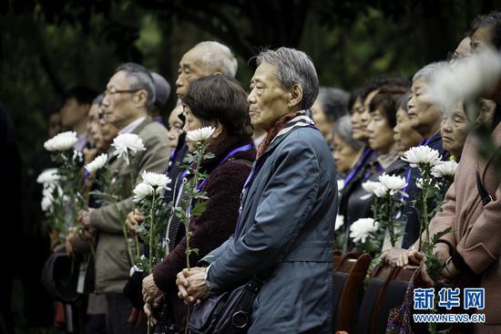 不忘忠骨魂!重庆社会各界清明祭英烈