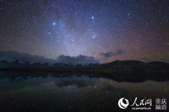 """重庆摄影师5年拍摄上千张""""一带一路""""星空照"""