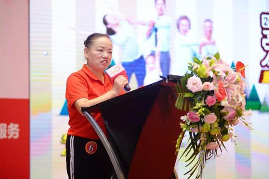 健康达人代表王军女士发表参赛宣言