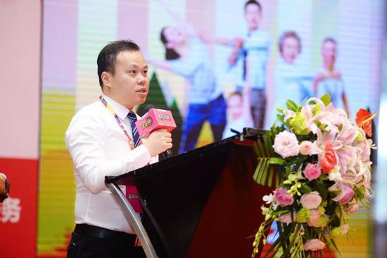 重庆市老年学和老年医学学会曾勇先生致辞