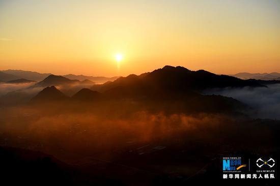 大美视角!lovebet app金银山国家森林公园晨雾之光(图)