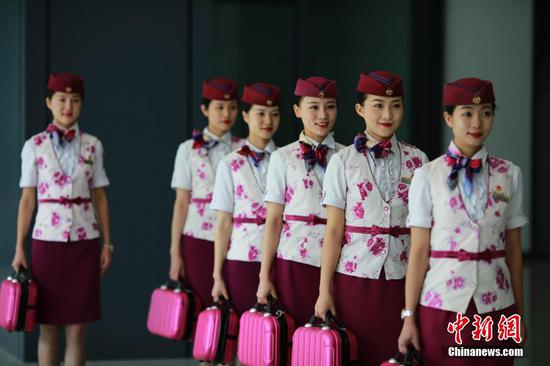 """重庆""""动姐""""礼仪培训 备战""""7.10""""铁路调图"""