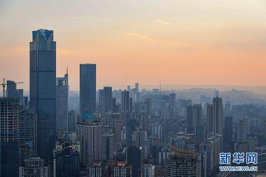 """盛夏时节 带你打探山城重庆的""""颜值""""高峰[组图]"""