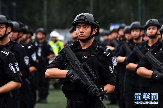 重庆公安启动全警实战大练兵 个个英姿飒爽(图)