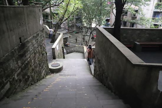 《风犬》网络热播 重庆取景地成网红打卡点