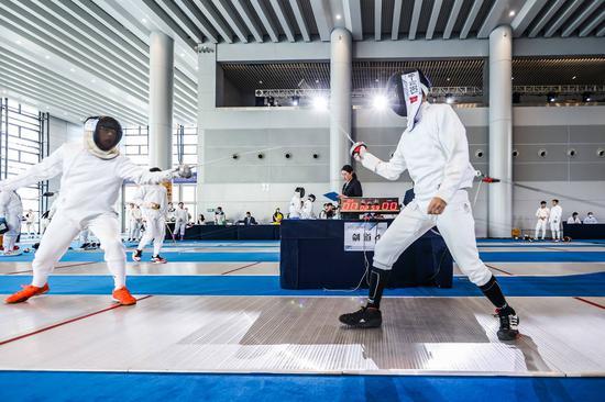 重庆市青少年击剑锦标赛开幕 首日比赛诞生16个冠军