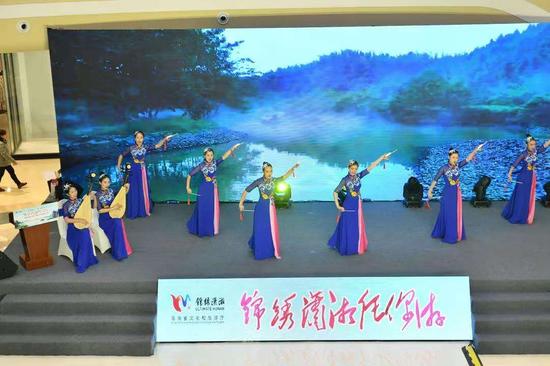 """湖南文旅推广周走进重庆 """"旅游+市集""""刮起山城潇湘热"""