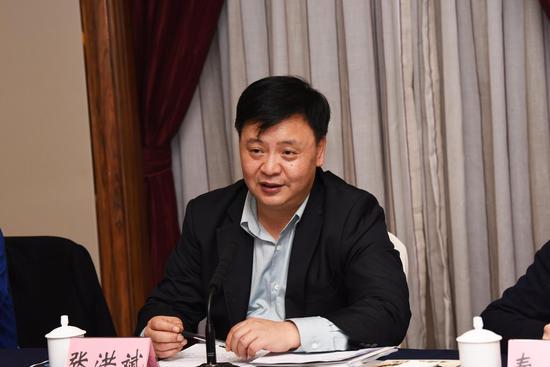 市委宣传部副部长张洪斌讲话