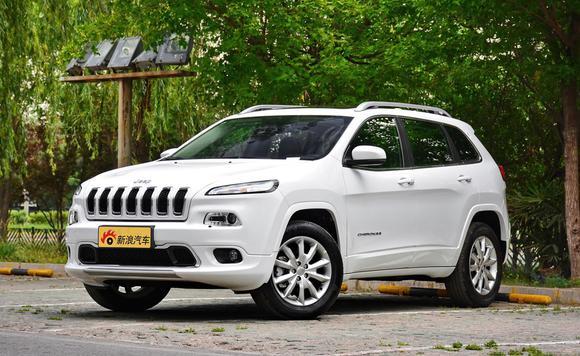 2017款Jeep自由光直降4.5万元 颜色可选