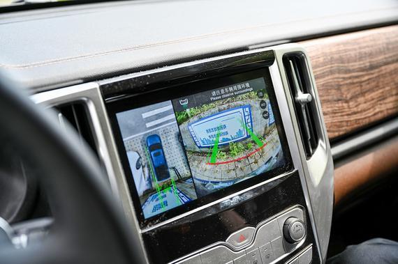 长城炮的360环视摄像头清晰度非常高,比市面上一些SUV更好