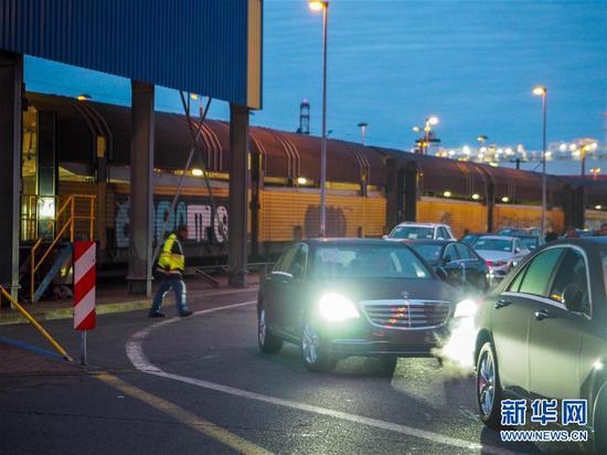 首趟中欧班列商品车专用车运输国际班列抵达重庆