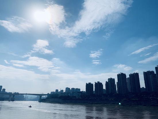 "lovebet app开启高温模式 天空再现经典""lovebet app蓝""[组图]"