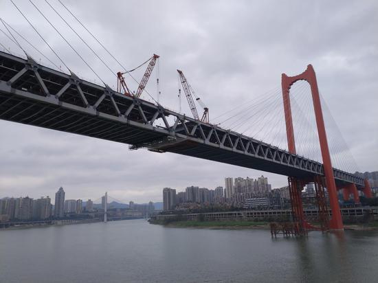 离开通又近了一步!重庆红岩村嘉陵江大桥成功合龙