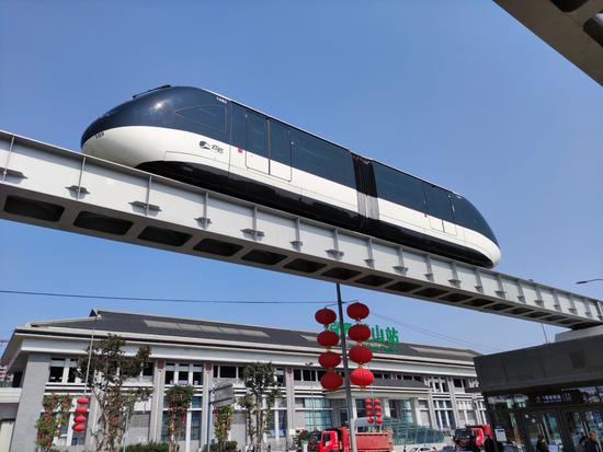 太火!重庆市民排长队免费试乘璧山云巴