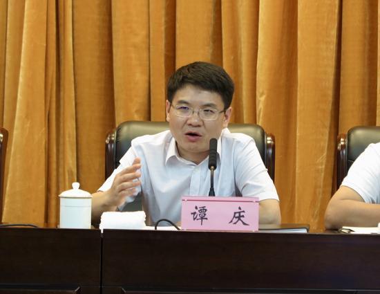 江津区委副书记、区政府区长谭庆安排部署工作