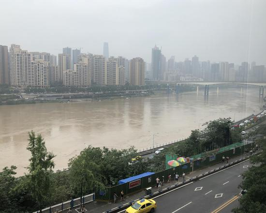 嘉陵江今日洪峰过境 江面涨水明显