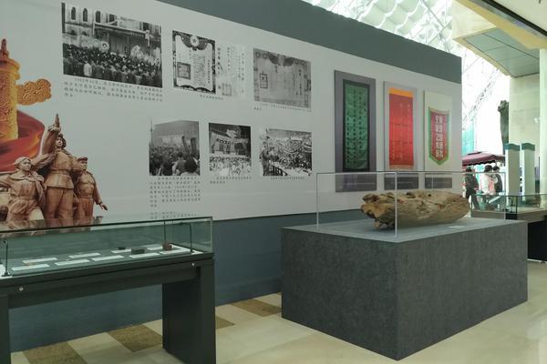 """""""抗美援朝、保家卫国""""微展览在三峡博物馆开展"""