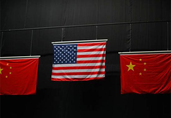 里约奥运颁奖,中国国旗出错
