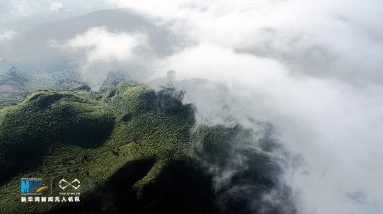 无人机鸟瞰南川云海美景 白云流动似锦绣长河