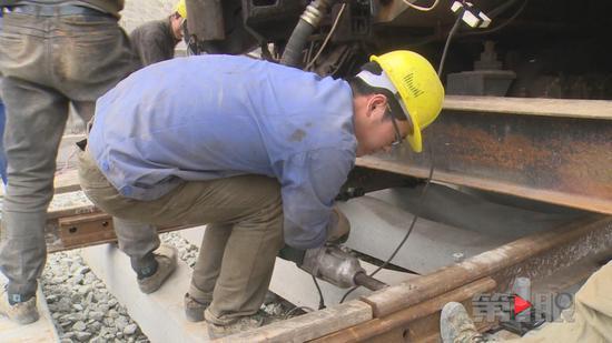 原标题:渝黔铁路新线建设进展顺利 预计今年6月完成铺轨作业