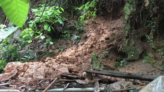 暴雨致三峡库区水位上涨 重庆多地受灾严重