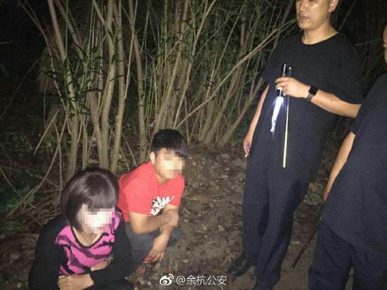 目前,小郭已被余杭公安依法行政拘留十日,小李因涉嫌犯罪,被余杭公安依法刑事拘留。