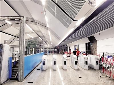 轨道五号线园博中心站,匣机设备安装到位。