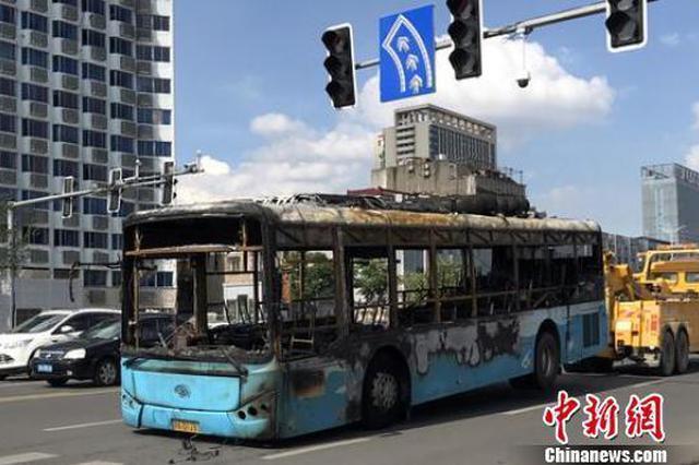 南昌公交起火事件女司机因提前疏散乘客获奖10万