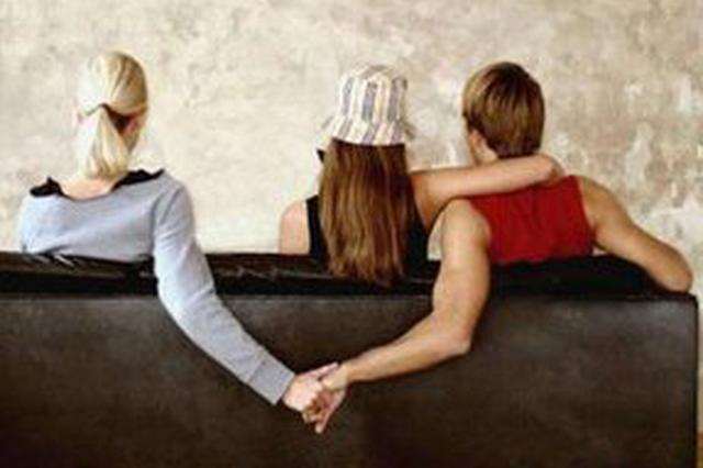 丈夫出轨8年送情人89万 妻子获悉后向小三讨债