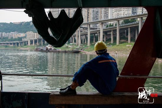 一桥一世界 看重庆修桥工真实生活