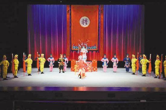 川剧《新辕门》在长假期间上演