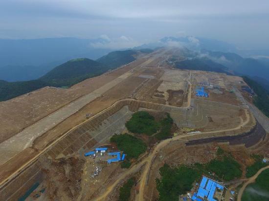 探秘重庆海拔最高的机场