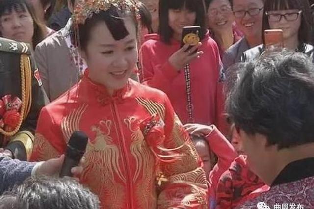 """河北新娘""""零彩礼""""成网红:不忍七旬公婆四处借钱"""