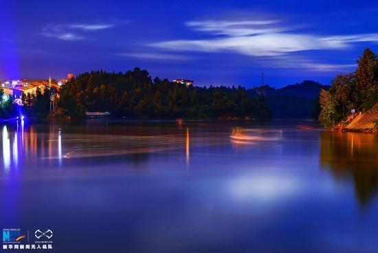 半城山色半城湖 航拍重庆唯美湖泊
