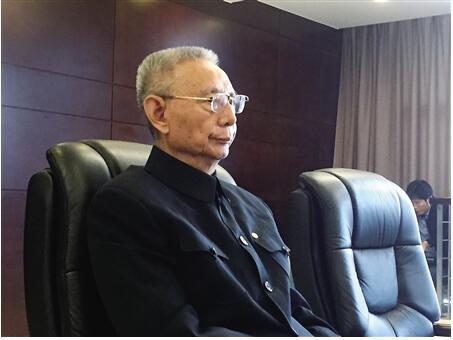 尹明善 记者 刘勇 摄