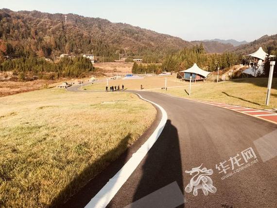 营地周边旅游资源丰富 记者 刘艳 摄