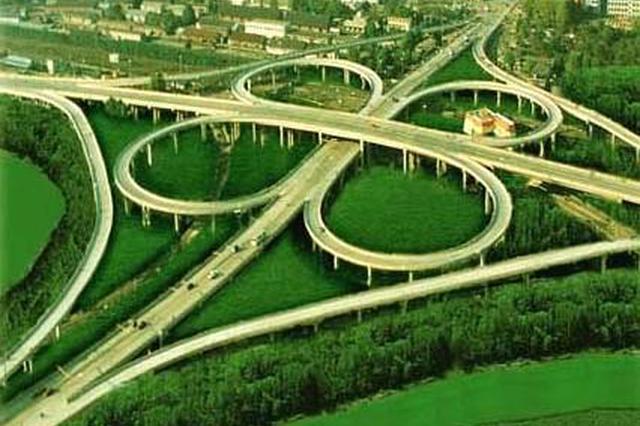 人和立交改造工程施工24日封闭匝道 过往车辆这样走