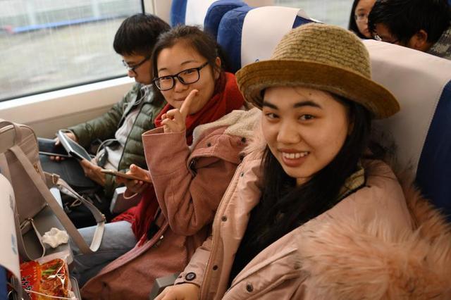 """重庆北站北广场将开通""""高铁快车"""" 直达解放碑磁器口"""