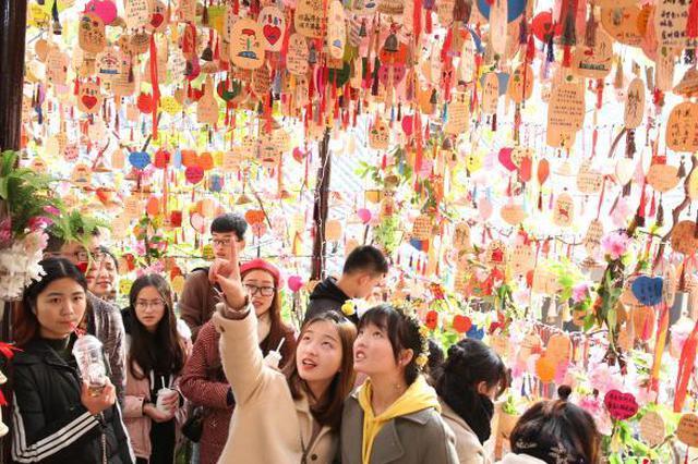 """重庆北站将开通""""高铁快车"""" 直达解放碑、磁器口"""