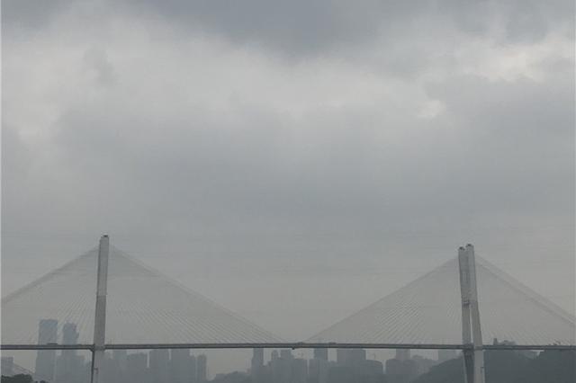 重庆多地遭受暴雨袭击 主城气温最低降至18℃