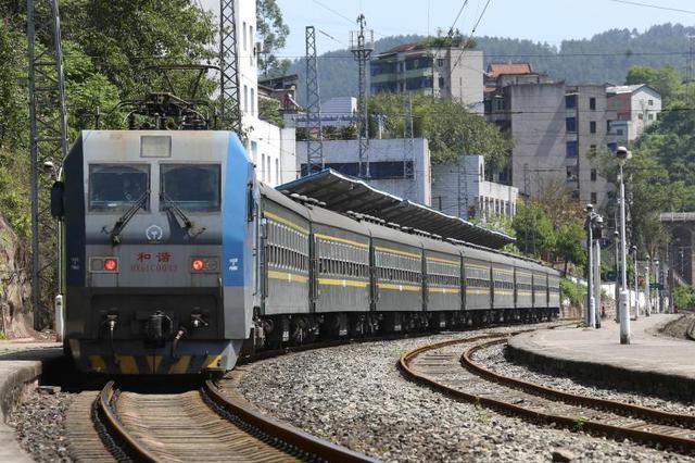 重庆市郊铁路跳磴至江津线有望明年通车