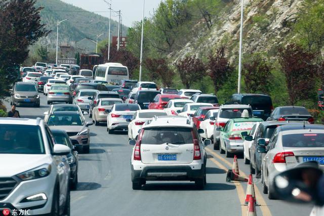 注意!重庆高速今日迎出行高峰 这样走才能避堵
