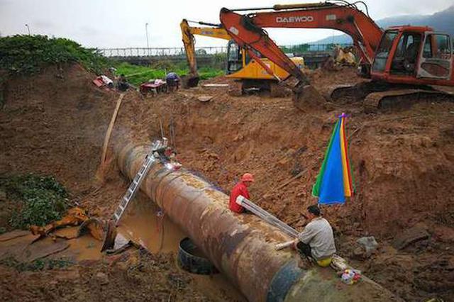 大学城供水主水管突发爆管 经连夜抢修已全面恢复供水