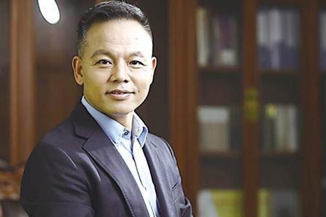 重庆男子从乡镇企业辞职创业 目前掌控30亿净资产
