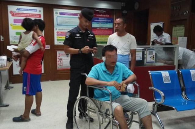 中国游客在泰国遭棍棒殴打 只因说了一句话