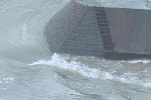 嘉陵江磁器口段出现明显涨水 江边玩耍需注意