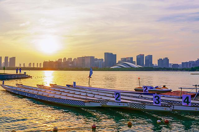 重庆市气象台发布高温预警 多地最高气温将超37℃