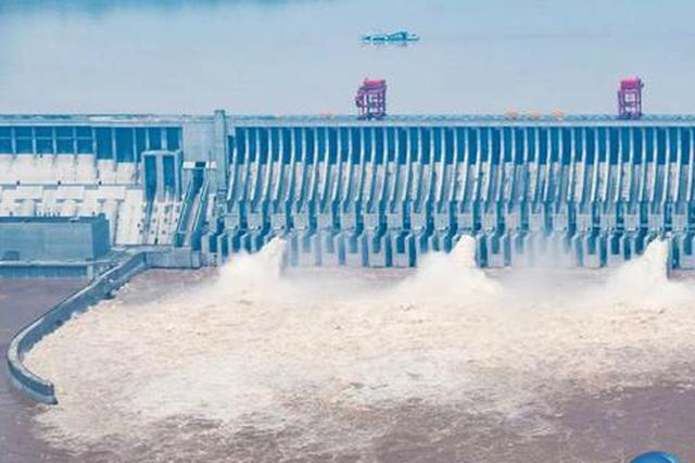 三峡水库首迎6万立方米每秒洪峰 三峡船闸停航