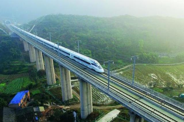 成渝高铁明起增加5列夜间动车 公交延长收班实现无缝接驳