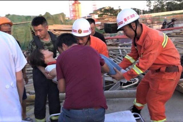重庆铜梁一女司机中暑被困塔吊操作间